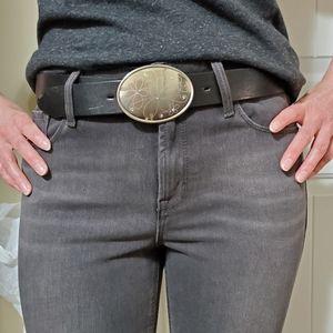 Canterbury black leather belt.
